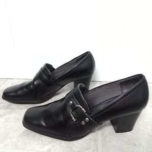 Life Stride black patent leather heels size 9